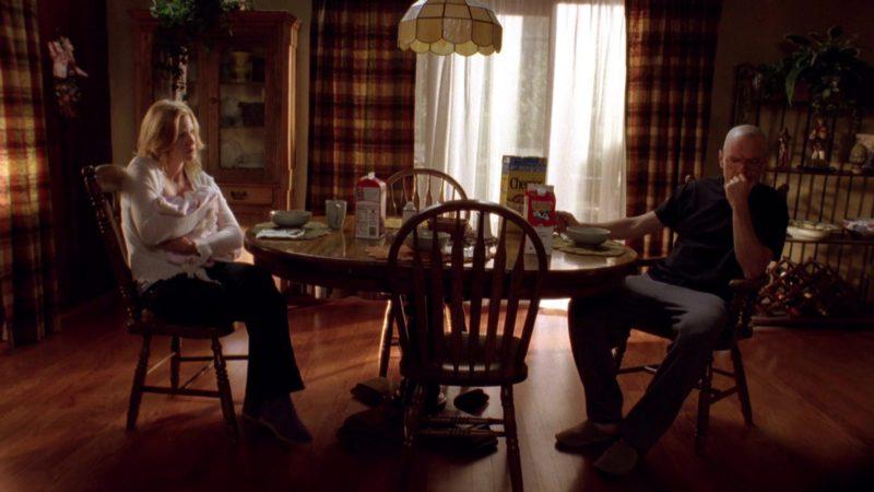 Horizon Organic Milk in Breaking Bad Season 2 Episode 13: ABQ (2009) - TV Show Product Placement