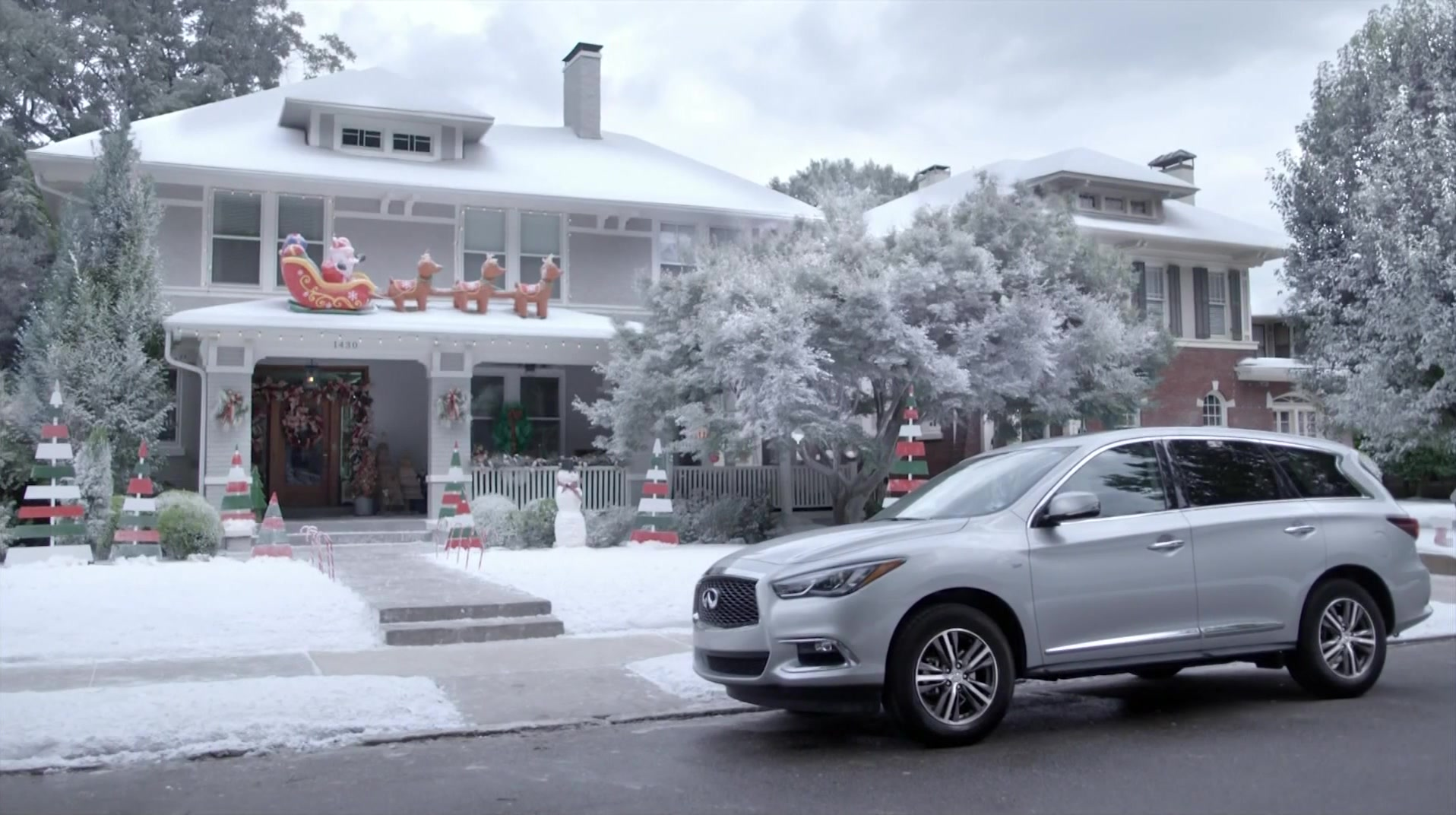 Dodge Durango Used >> Infiniti QX60 Crossover Car Used by Kellie Pickler in ...