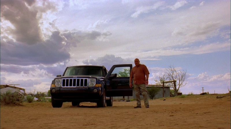 Jeep Commander Sport [XK] Car Used by Dean Norris (Hank Schrader) in Breaking Bad Season 2 Episode 2: Grilled (2009) TV Show Product Placement