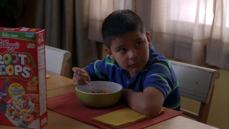 "Kellogg's Froot Loops Cereal in Breaking Bad Season 5 Episode 13 ""To'hajiilee"" (2012) - TV Show Product Placement"