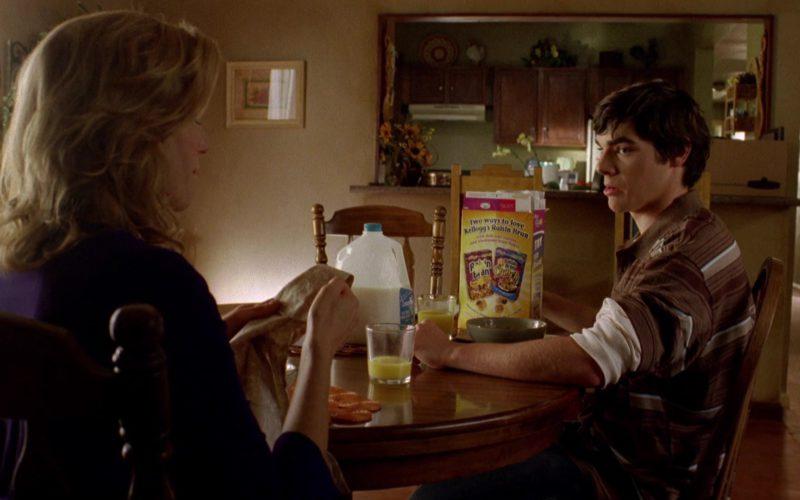 Kellogg's Raisin Bran Cereal in Breaking Bad Season 2 Episode 7 (1)