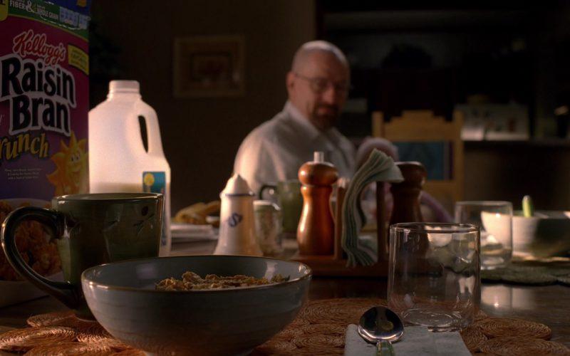 Kellogg's Raisin Bran Cereal in Breaking Bad Season 5 Episode 2 (1)