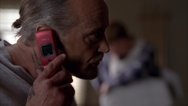 """LG T-Mobile Cell Phone in Breaking Bad Season 5 Episode 13 """"To'hajiilee"""" (2012) - TV Show Product Placement"""