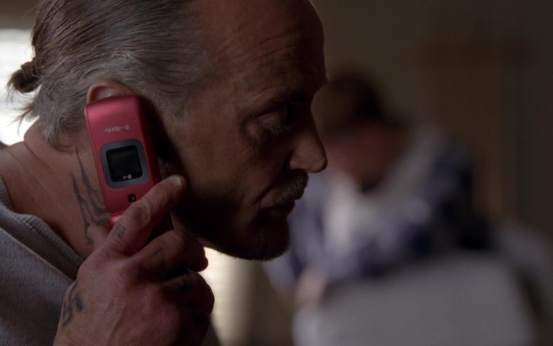 LG T-Mobile Cell Phone in Breaking Bad Season 5 Episode 13 (4)