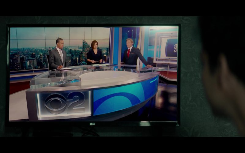 LG TV and CBS 2 Television Channel in Tell Me A Story (2)