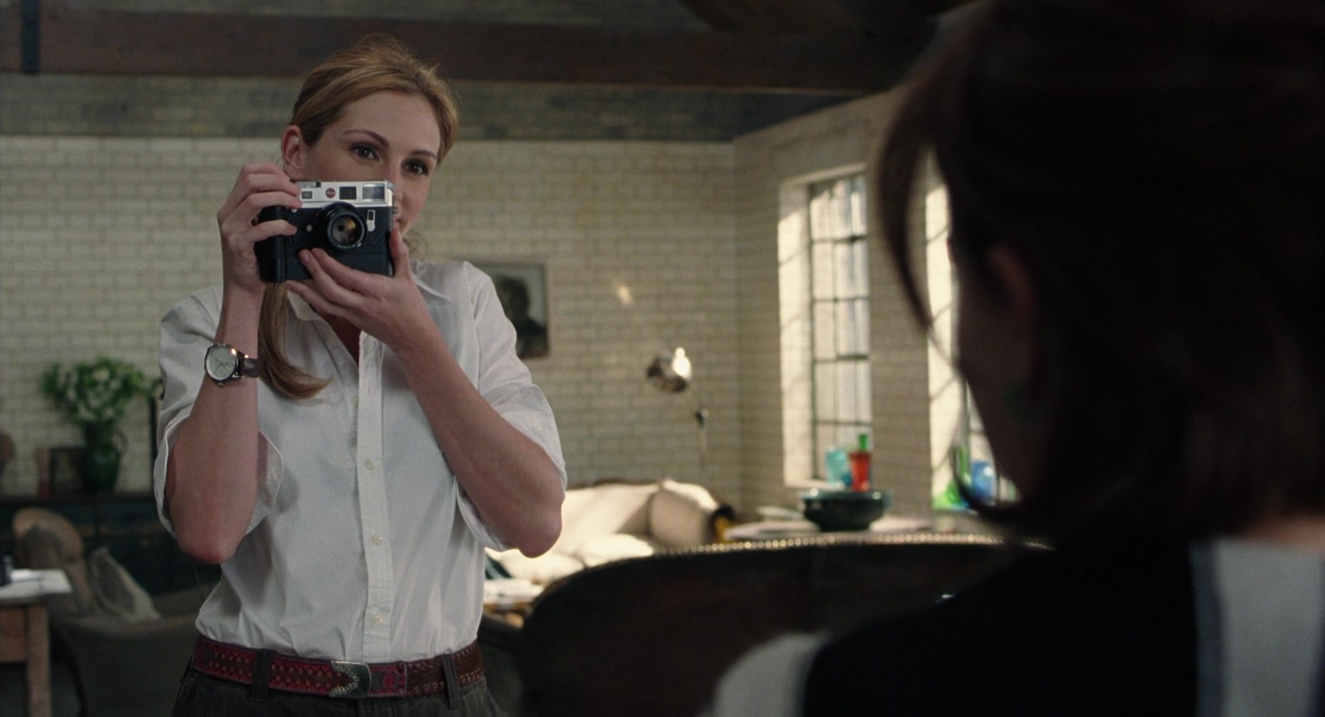 leica m6 camera used by julia roberts in closer 2004 movie