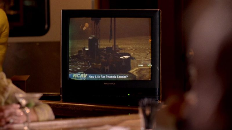 Magnavox TV in Breaking Bad Season 2 Episode 12: Phoenix (2009) TV Show Product Placement