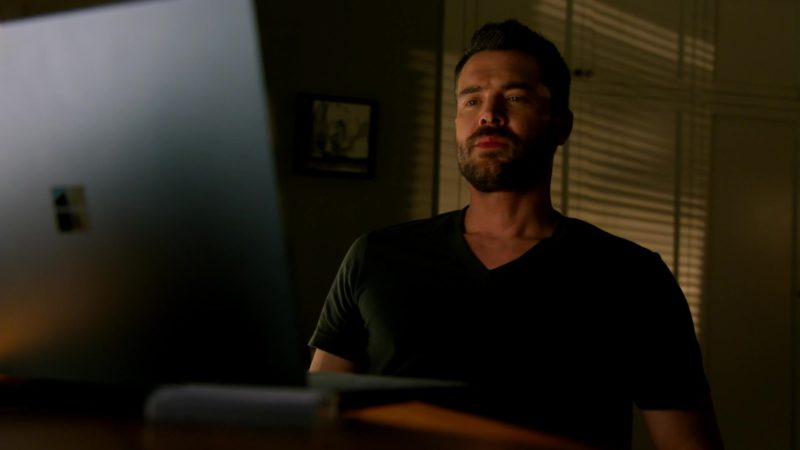 Microsoft Surface Book Used by Charlie Weber in How to Get Away with Murder: I Got Played (2018) - TV Show Product Placement
