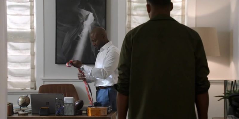 Microsoft Surface Used by Taye Diggs in All American Season 1 Episode 4: Lose Yourself (2018) TV Show Product Placement