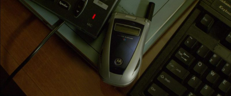 Motorola Mobile Phone in Collateral (2004) Movie Product Placement