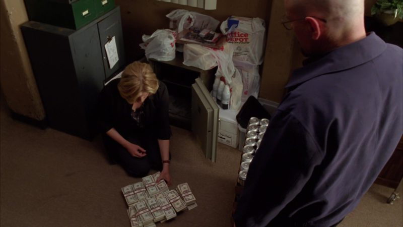 """Office Depot Plastic Bags in Breaking Bad Season 4 Episode 7 """"Problem Dog"""" (2011) - TV Show Product Placement"""