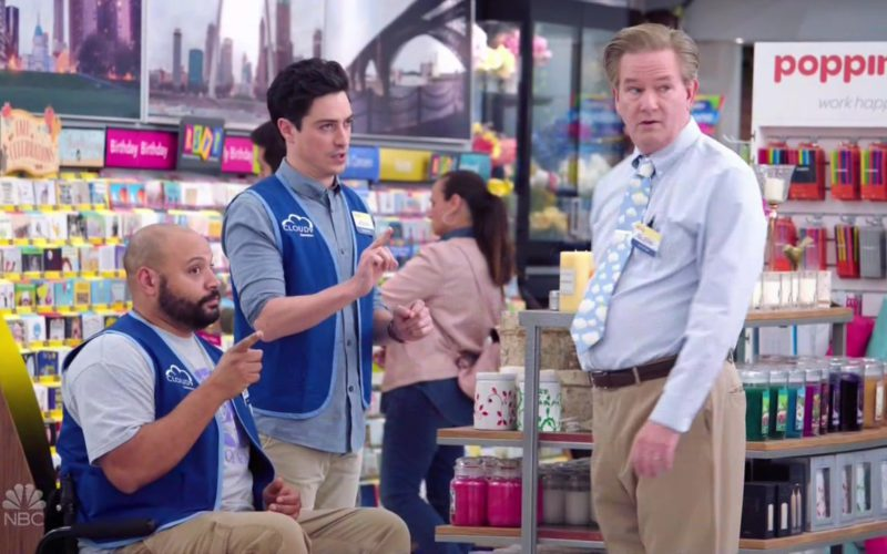 Poppin in Superstore Season 4 Episode 6 (5)