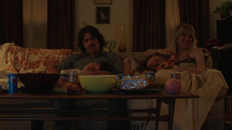 """RC Cola in The Deuce Season 2 Episode 9 """"Inside the Pretend"""" (2018) - TV Show Product Placement"""