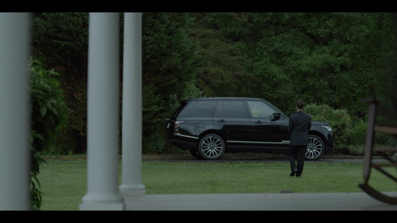 Range Rover Vogue Car in House of Cards Final Season 6 Last Episode 8 Chapter 73 (2018) - TV Show Product Placement