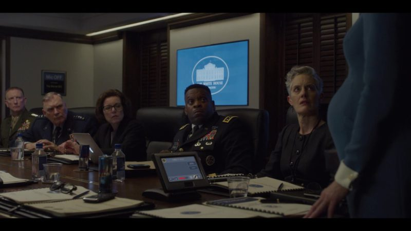 Red Bull Energy Drinks in House of Cards Season 6 Episode 8 Chapter 73 Finale (2018) - TV Show Product Placement