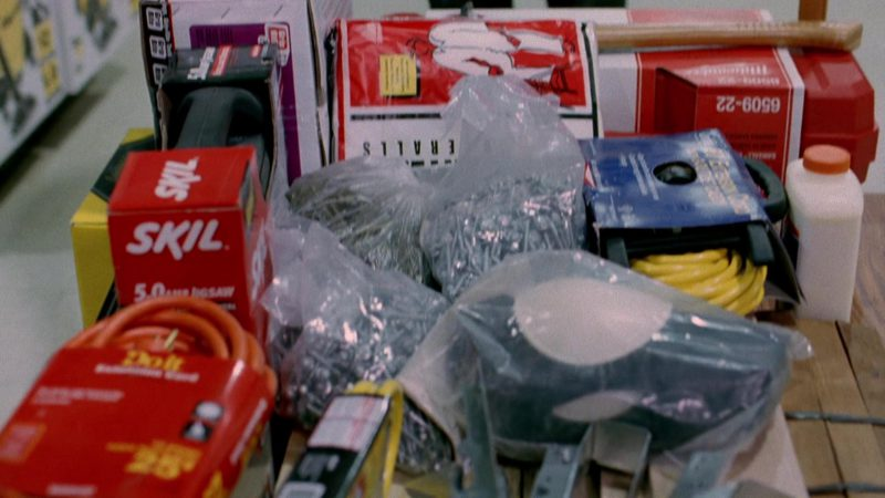 SKIL Jigsaw in Breaking Bad Season 2 Episode 10: Over (2009) TV Show Product Placement