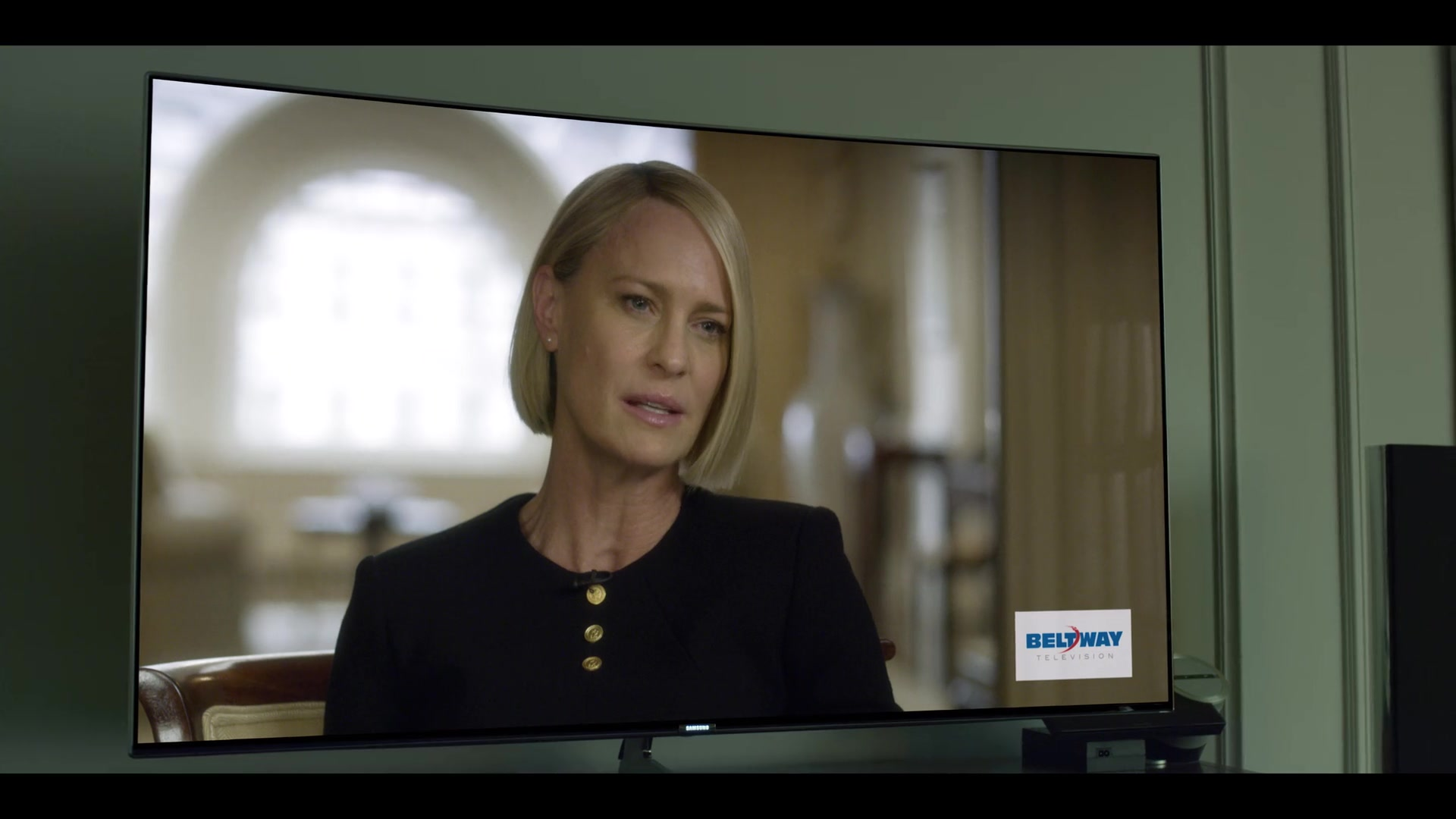Samsung Curved 4k Uhd Tv In House Of Cards Season 6 Episode 7