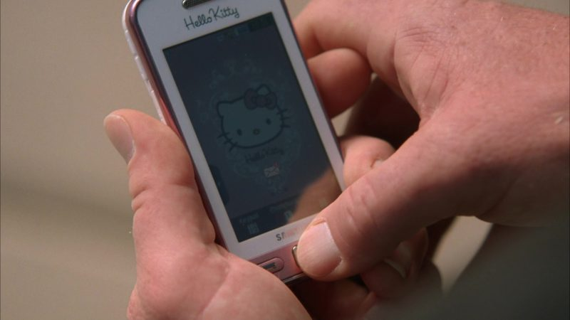 "Samsung Hello Kitty Mobile Phone Used by Dean Norris (Hank Schrader) in Breaking Bad Season 5 Episode 13 ""To'hajiilee"" (2012) - TV Show Product Placement"