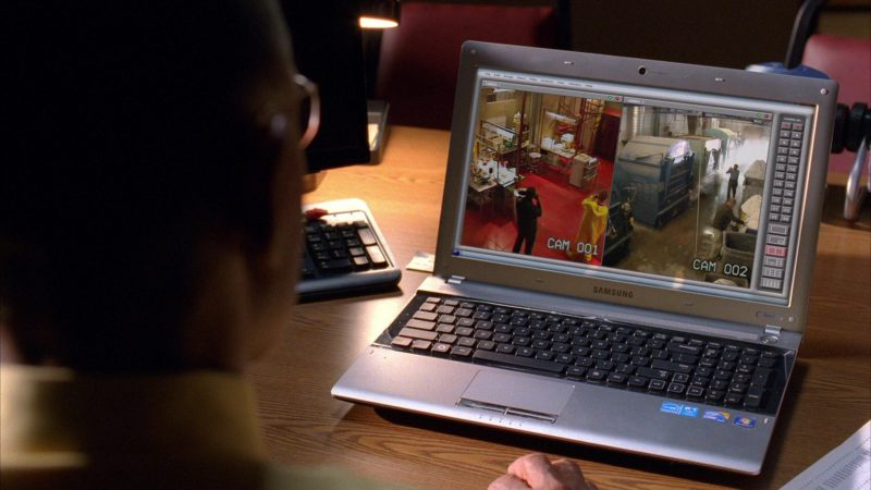 "Samsung Laptop Used by Giancarlo Esposito (Gus Fring) in Breaking Bad Season 4 Episode 12 ""End Times"" (2011) - TV Show Product Placement"