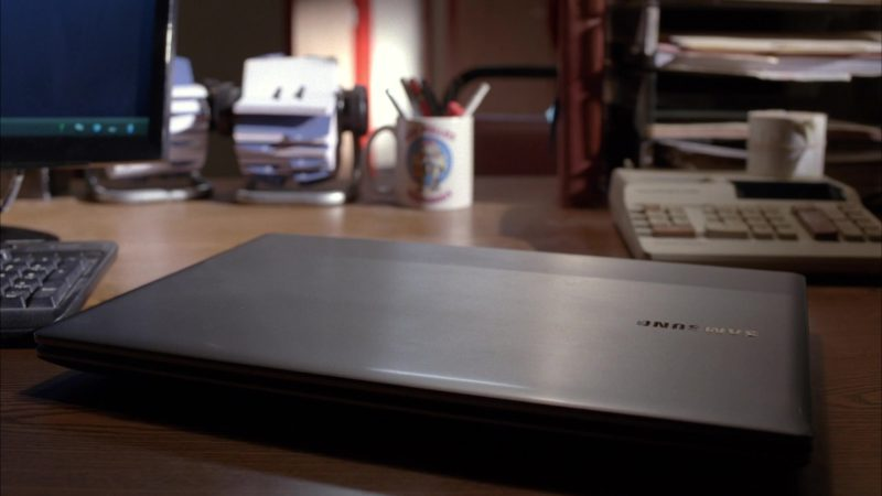 Samsung Notebook in Breaking Bad Season 5 Episode 1: Live Free or Die (2012) TV Show Product Placement