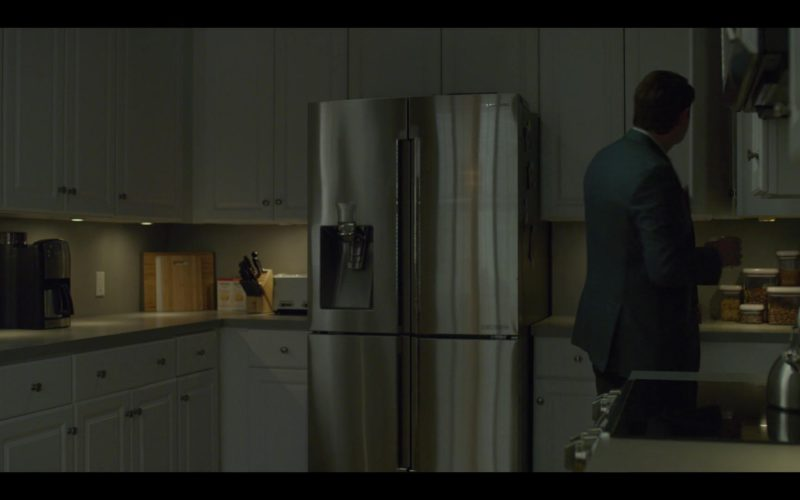 Samsung Refrigerator in House of Cards Season 6 Episode 8 Chapter 73 Finale (1)