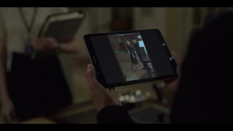 Samsung Tablet (Galaxy Tab) Used by Robin Wright (Claire Underwood) in House of Cards Season 6 Episode 3 Chapter 68 (2018) - TV Show Product Placement