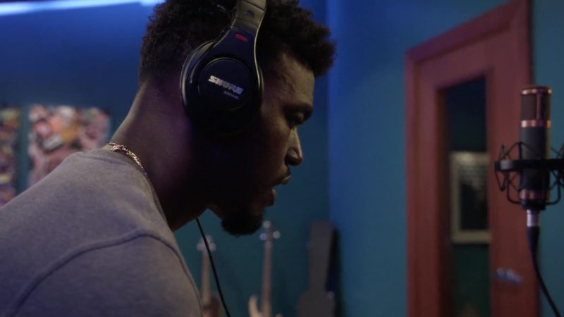 Shure Professional Studio Headphones SRH440 Used by Luke James in Star Season 3 Episode 7: Karma (2018) TV Show Product Placement