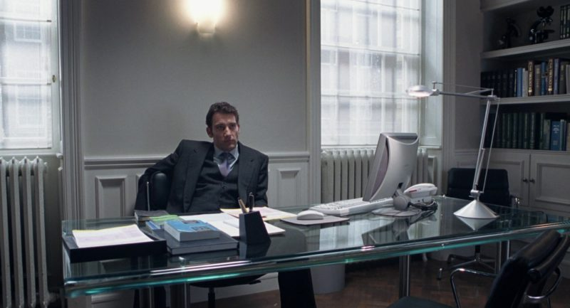 Sony All-In-One PC Used by Clive Owen in Closer (2004) - Movie Product Placement