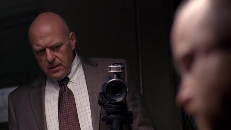 "Sony Camcorder Used by Dean Norris (Hank Schrader) in Breaking Bad Season 5 Episode 11 ""Confessions"" (2012) - TV Show Product Placement"