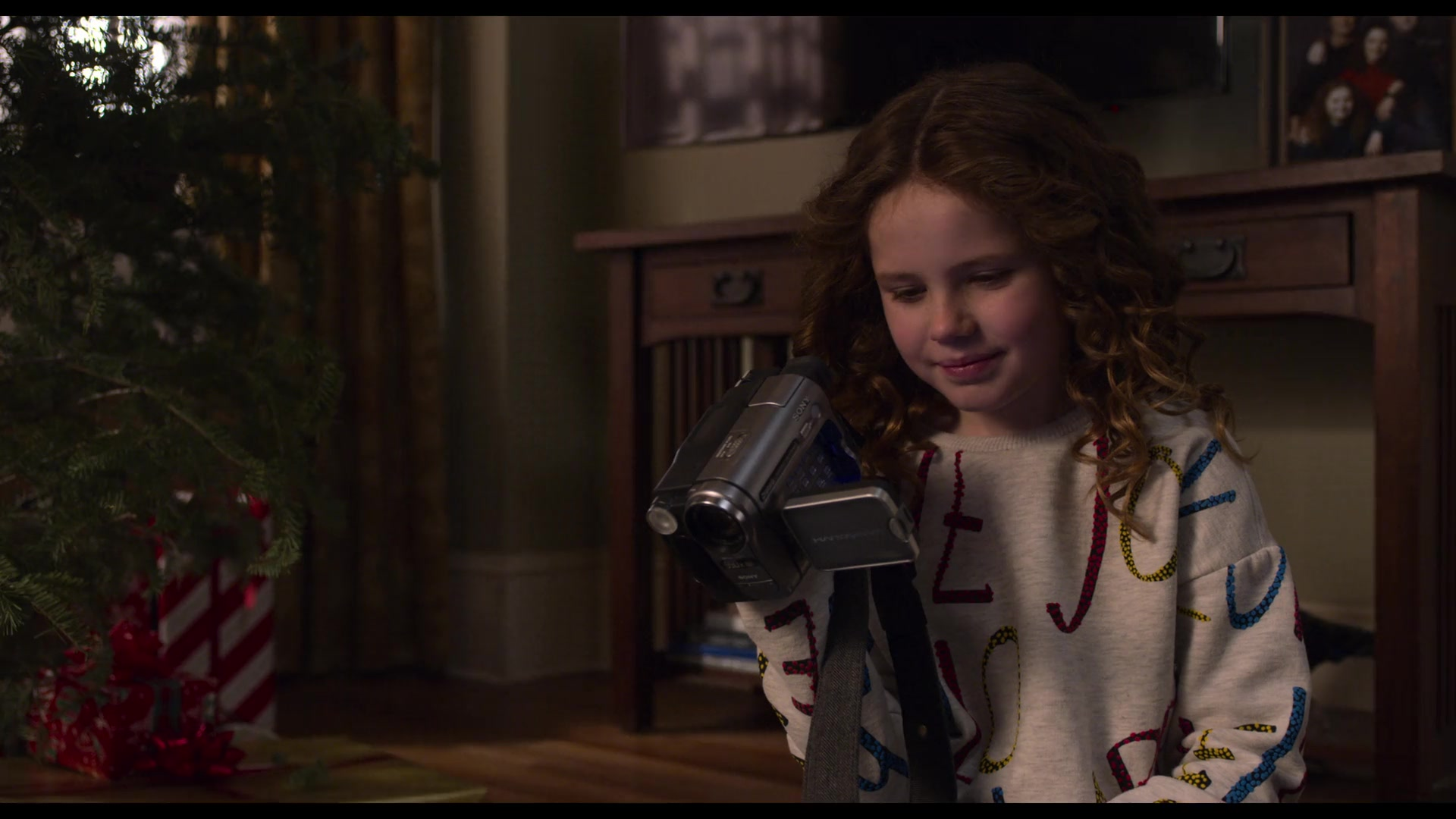 The Christmas Chronicles 2.Sony Handycam Camcorder Used By Darby Camp In The Christmas