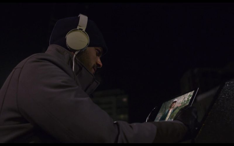 Sony Headphones in The Christmas Chronicles (1)