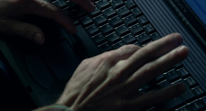 Sony Vaio Laptop Used by Jude Law in Closer (2004) Movie Product Placement