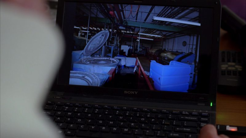 """Sony Laptop Vaio VPC-Y Series Used by Dean Norris (Hank Schrader) in Breaking Bad Season 4 Episode 12 """"End Times"""" (2011) - TV Show Product Placement"""
