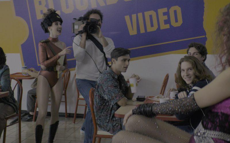 Taco Bell Paper Cups in Glow Season 2 Episode 1