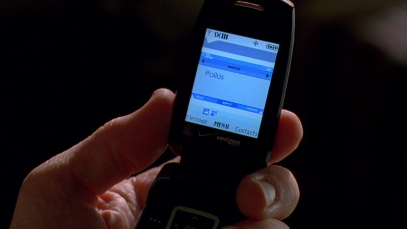 Verizon Cell Phone Used by Bryan Cranston (Walter White) in Breaking Bad Season 3 Episode 1: No Mas (2010) - TV Show Product Placement