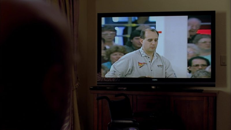 "Vizio TV Used by Dean Norris (Hank Schrader) in Breaking Bad Season 4 Episode 3 ""Open House"" (2011) TV Show Product Placement"