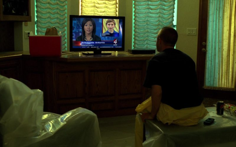 Vizio TV and Pepsi Can in Breaking Bad Season 5 Episode 6