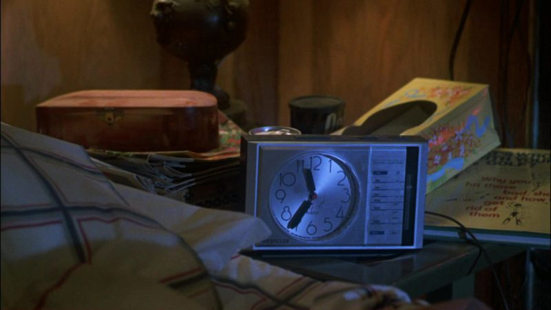 Westclox Clock in Gremlins (1984) - Movie Product Placement