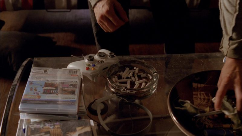 Xbox Controller in Breaking Bad Season 5 Episode 2: Madrigal (2012) - TV Show Product Placement