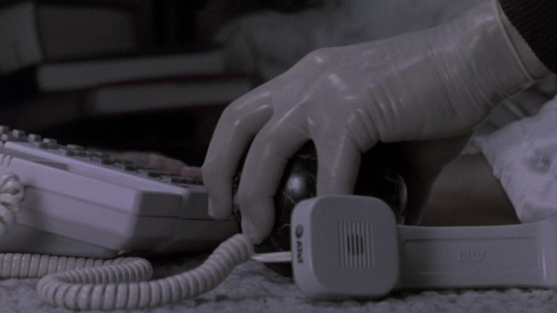 AT&T Telephone Used by Sela Ward in The Fugitive (1993) - Movie Product Placement