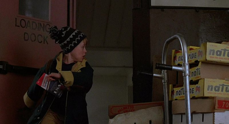 American Airlines Ticket and Naturipe Farms Boxes in Home Alone 2: Lost in New York (1992) - Movie Product Placement
