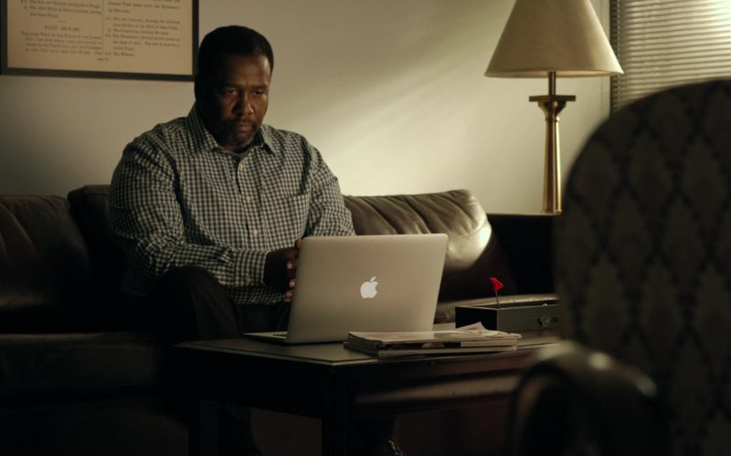 Apple MacBook Air Laptop Used by Wendell Pierce in One Last Thing (8)