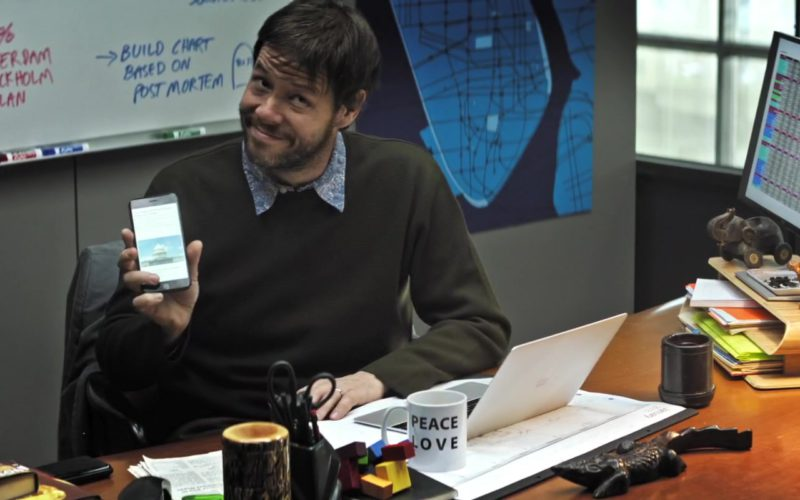 Apple MacBook Laptop and iPhone Smartphone Used by Ike Barinholtz in The Oath