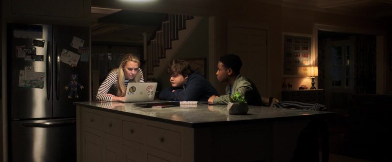 Apple MacBook Laptops Used by Madison Iseman in Goosebumps 2: Haunted Halloween (2018) - Movie Product Placement
