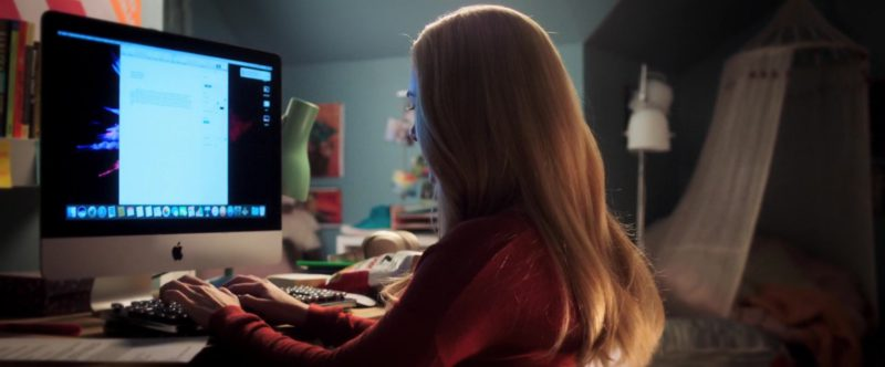 Apple iMac Computer Used by Madison Iseman in Goosebumps 2: Haunted Halloween (2018) Movie Product Placement