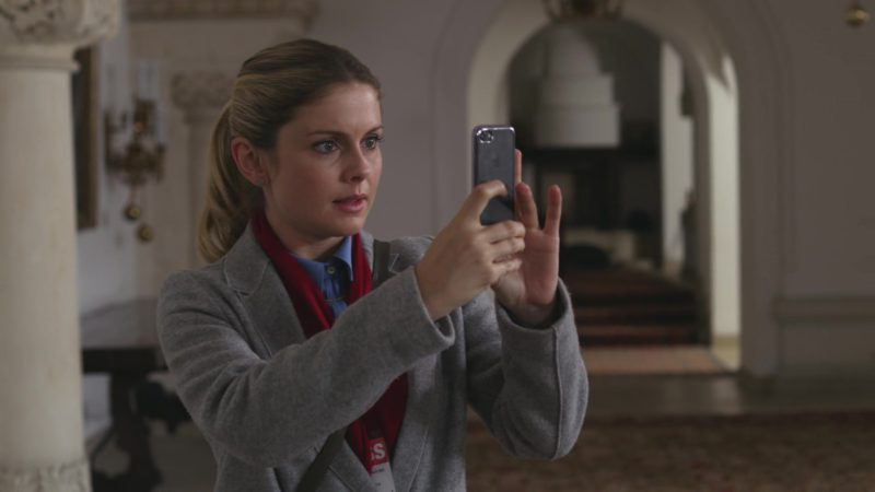Apple iPhone Cell Phone Used by Rose McIver in A Christmas Prince (2017) - Movie Product Placement