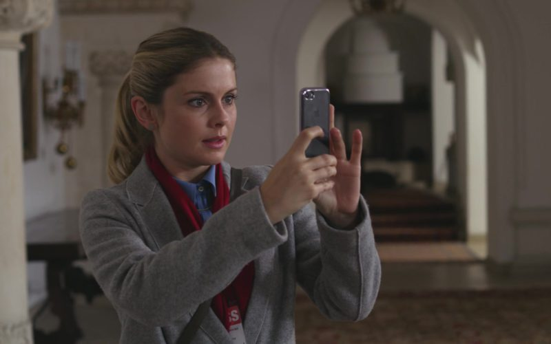 Apple iPhone Cell Phone Used by Rose McIver in A Christmas Prince (1)
