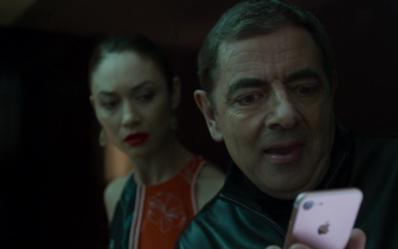 Apple iPhone Used by Rowan Atkinson in Johnny English Strikes Again (1)