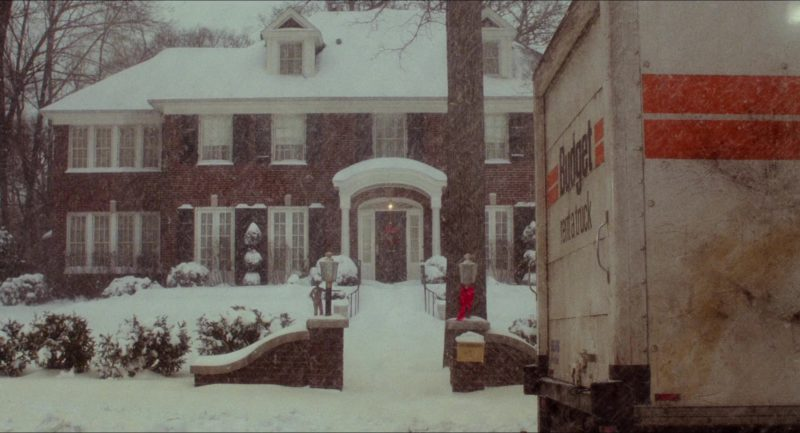 Budget Truck Rental in Home Alone (1990) - Movie Product Placement