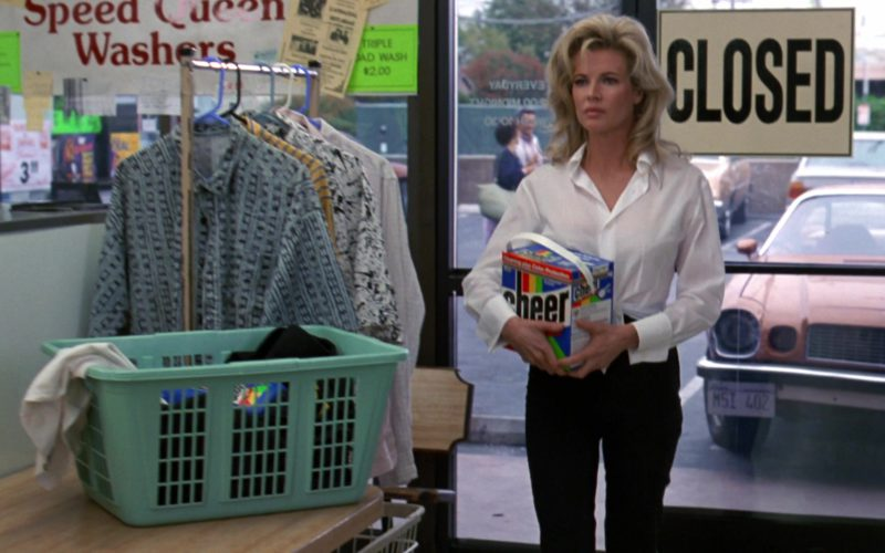 Cheer Laundry Detergent Used by Kim Basinger in Wayne's World 2 (1)